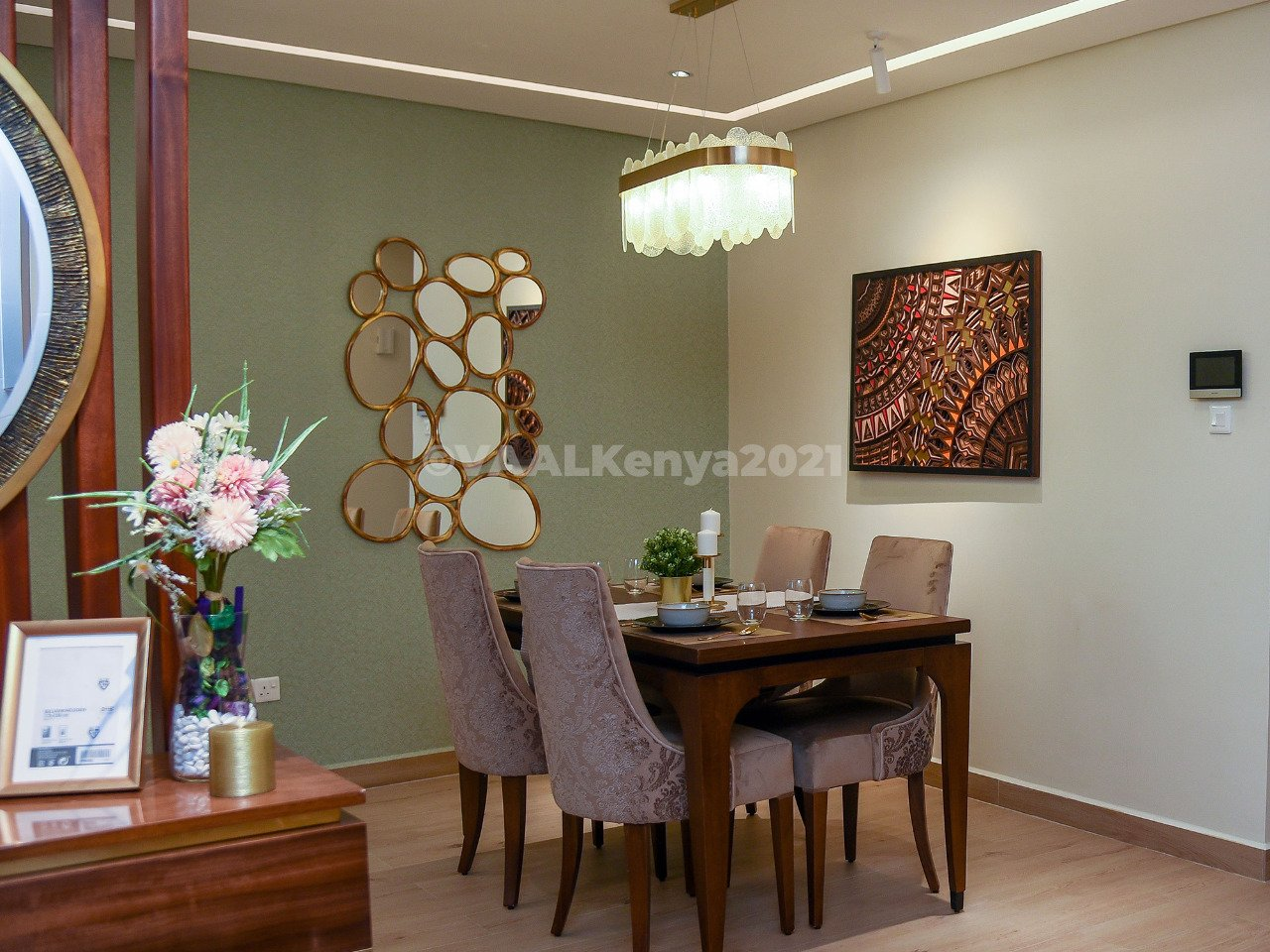 Elite Residence - Dining Table
